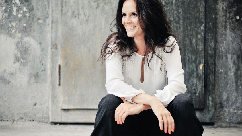 Nach einer Auszeit in Neuseeland ist Caroline Chevin wieder zurück auf Schweizer Bühnen. Sie tritt in Davos auf. - Foto: Adrian Bretscher