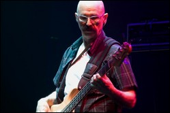 Tony Levin - © Lrheath, en.wikipedia.org