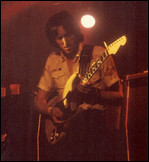 Allan Holdsworth - © Allan Holdsworth, etwa 1975 im Beacon Theatre, New York City / (GNU Free Documentation License)