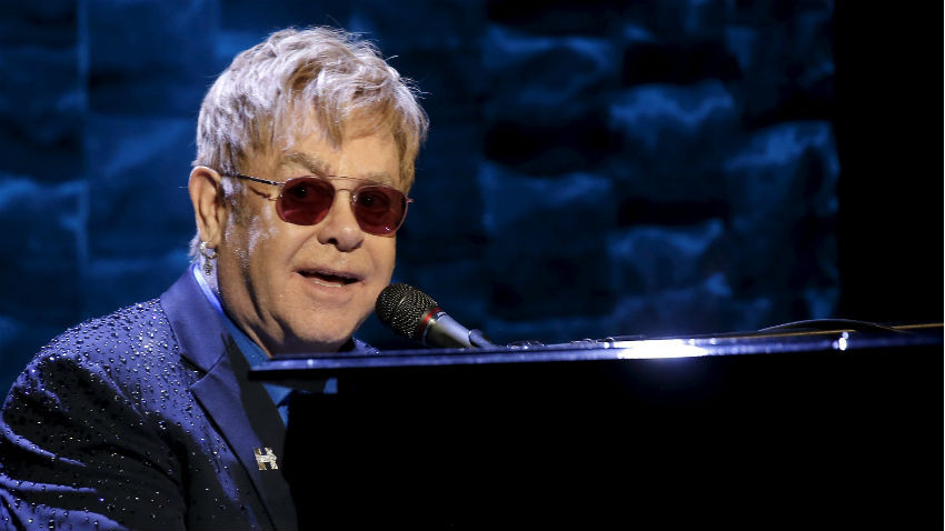 Elton John - Source: Reuters/Mike Segar